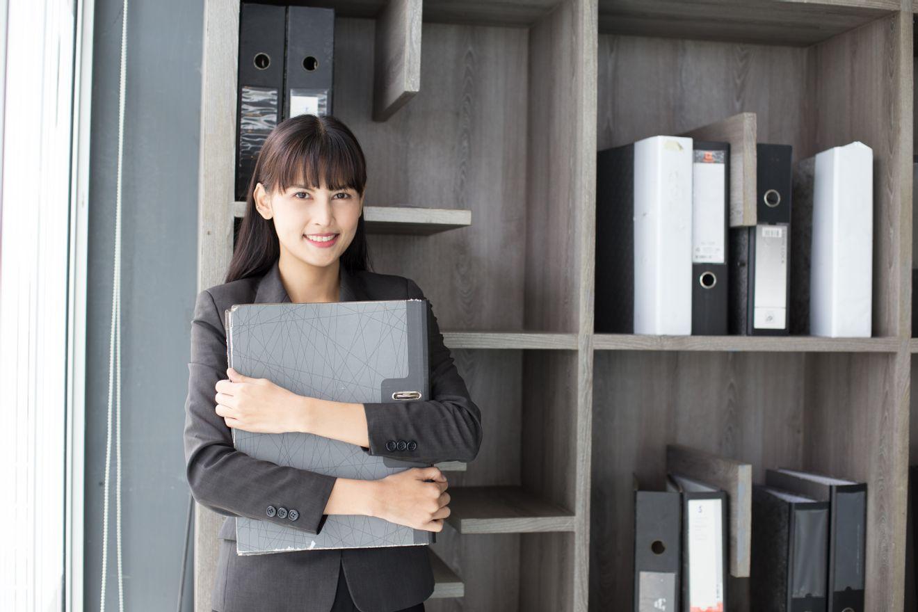 【経理】実務経験3年以上必須!映像事業を中心に飲食・不動産事業も展開する東証1部上場企業の画像